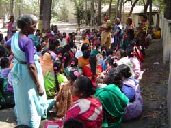 Picture of a meeting of the Kalanjiam community banking group